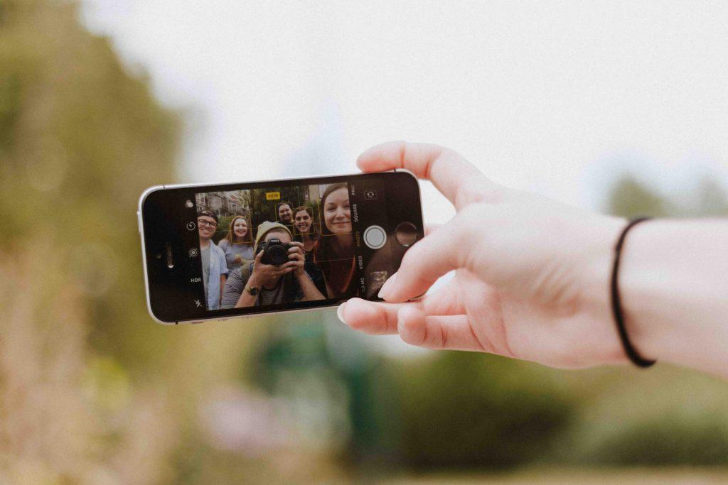 Influencer marketing Instagram friends taking selfie digital marketing